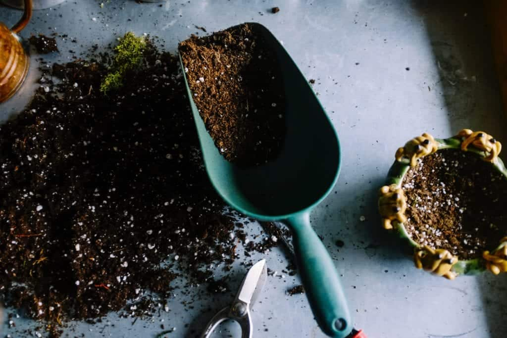 Make Potting Soil At Your Own For Indoor Gardening